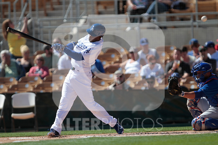 Dee Gordon  Los Angeles Dodgers,during Cactus League ,Cubs vs Dodgers. Spring Trainig 2013..Camelback Ranch  in Arizona. February 25, 2013 ...© stringer/NortePhoto