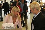 CL 04-05 Hinrunde 1. Spiel - Vorschau<br /> <br /> Abflug der Mannschaft von Werder Bremen am 13.09.04 vom Bremer Flughafen - einschecken der Mannschaft<br /> Pekka Lagerbloom mit seiner neuen Freundin Anna Maria ( Schwester von Sarah Conners ) <br /> <br /> <br /> Foto :© nordphoto <br /> <br /> <br /> <br />  *** Local Caption *** Foto ist honorarpflichtig! zzgl. gesetzl. MwSt.<br /> <br /> Belegexemplar erforderlich<br /> <br /> Adresse: nordphoto<br /> <br /> Georg-Reinke-Strasse 1<br /> <br /> 49377 Vechta