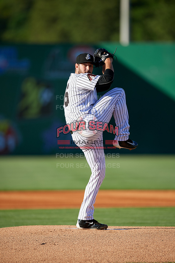 Jackson Generals starting pitcher Alex Young (16) delivers a pitch during a game against the Chattanooga Lookouts on April 27, 2017 at The Ballpark at Jackson in Jackson, Tennessee.  Chattanooga defeated Jackson 5-4.  (Mike Janes/Four Seam Images)