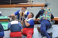 SKUTSJESILEN: WOUDSEND: Hegemer Mar, 06-08-2012, SKS skûtsjesilen, wedstrijd Woudsend, skûtsje d'Halve Maen, Jan Bron (grootschoot), schipper Berend Mink, ©foto Martin de Jong