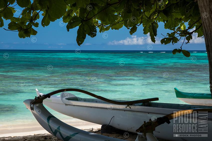 Outrigger canoes at Waimanalo Beach, Windward O'ahu.