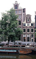 Amsterdam: Keizersgracht. Nos. 64 & 62, both circa 1640-1790. Photo '87.