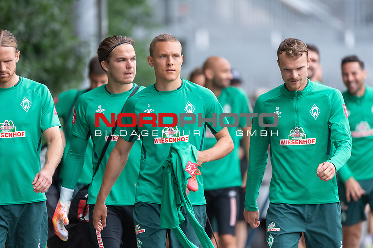 28.06.2020, Trainingsgelaende am wohninvest WESERSTADION,, Bremen, GER, 1.FBL, Werder Bremen Training, im Bild<br /> <br /> Die Spieler gehen zum Trainingsplatz am Tag nach dem Spiel <br /> Michael Lang (Werder Bremen #04)<br /> Luca Plogmann (Werder Bremen #40)<br /> Ludwig Augustinsson (Werder Bremen #05)<br /> Christian Groß / Gross (Werder Bremen #36)<br /> <br /> Foto © nordphoto / Kokenge