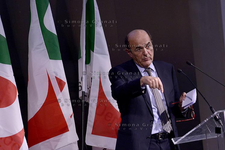 Roma, 21 Marzo 2015.<br /> Pier Luigi Bersani.<br /> Assemblea della sinistra del Partito Democratico all'Acquario di Roma.<br /> A sinistra nel PD,. Per la Democrazia e il lavoro.