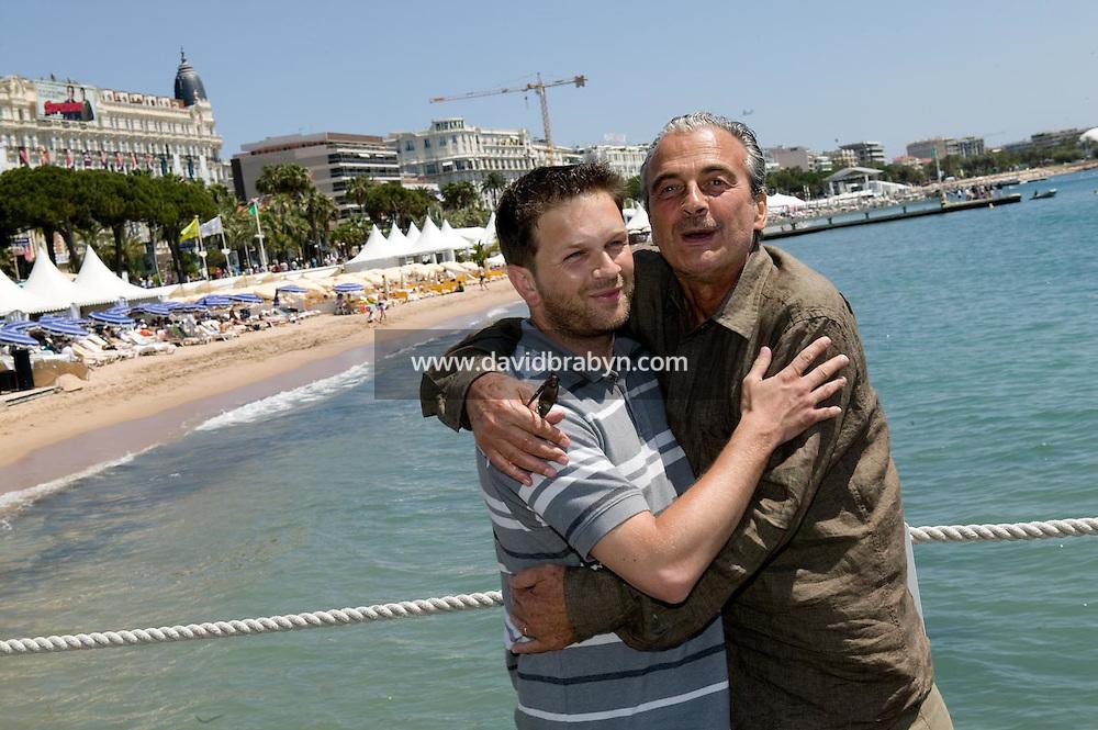 Gaël Morel, Jacques Nolot (D), dejeuner de presse, 20 ans de la Fondation Groupama-Gan pour le Cinema, Cannes, France, 18 mai 2007.