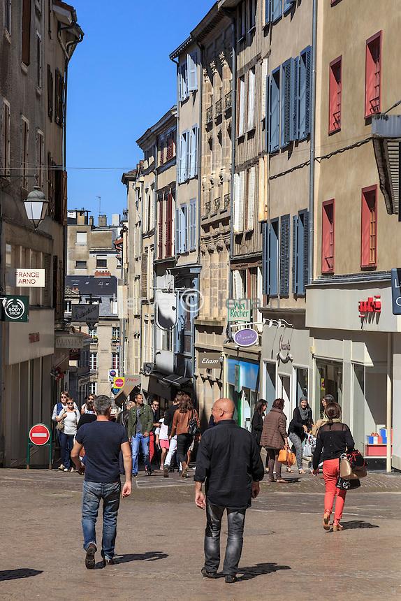France, Haute-Vienne (87), Limoges, la rue du Clocher dans le quartier du Château // France, Haute Vienne, Limoges, Clocher street in Chateau neighborhood