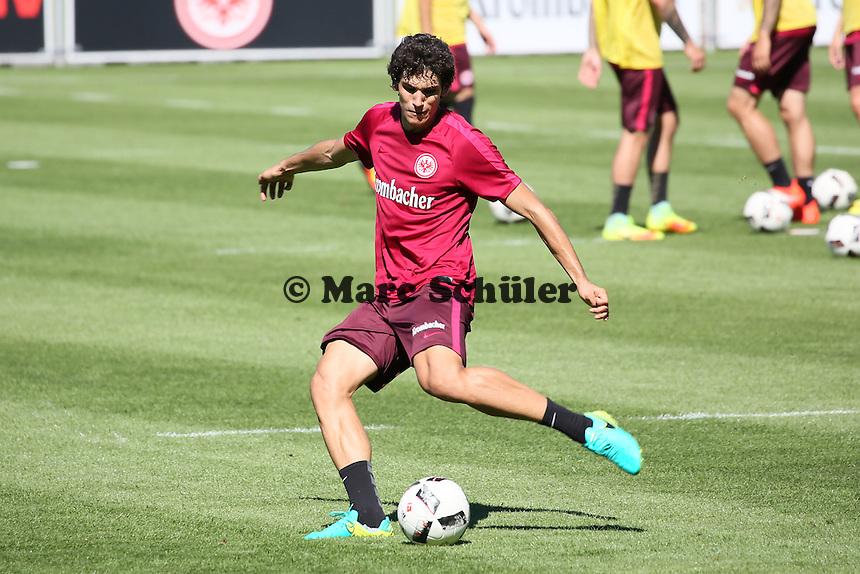 Jesus Vallejo (Eintracht Frankfurt) - Eintracht Frankfurt Training, Commerzbank Arena