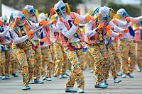 BARRANQUILLA - COLOMBIA, 04-03-2019: Bailarines con vestidos marimonda animan la fiesta durante el desfile Gran Parada de Fantasia del Carnaval de Barranquilla 2019, patrimonio inmaterial de la humanidad, que se lleva a cabo entre el 2 y el 5 de marzo de 2019 en la ciudad de Barranquilla. / A dacers with a marimonda dress cheer the party during the Gran Parada de Fantasia as part of the Barranquilla Carnival 2019, intangible heritage of mankind, that be held between March 2 to 5, 2019, at Barranquilla city. Photo: VizzorImage / Alfonso Cervantes / Cont.