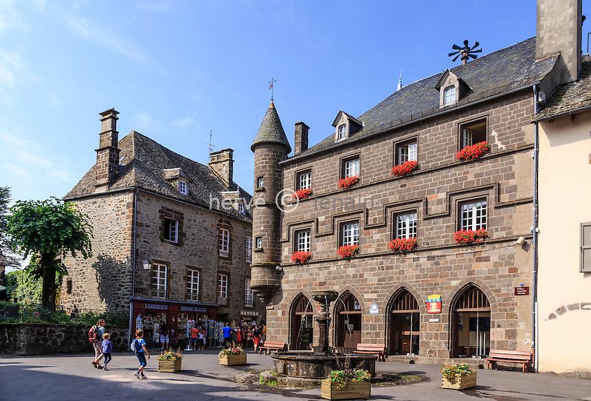 France, Cantal (15), Salers,  labellis&eacute; Les Plus Beaux Villages de France, la Place Tyssandier d'Escous // France, Cantal, Salers,  labelled Les Plus Beaux Villages de France, (The Most beautiful<br /> Villages of France), Tyssandier d'Escous square