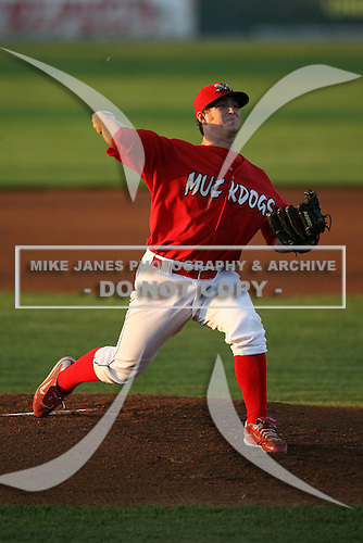 September 3, 2009:  Pitcher Jesse Simpson of the Batavia Muckdogs delivers a pitch during a game at Dwyer Stadium in Batavia, NY.  The Muckdogs are the Short-Season Class-A affiliate of the St. Louis Cardinals.  Photo By Mike Janes/Four Seam Images