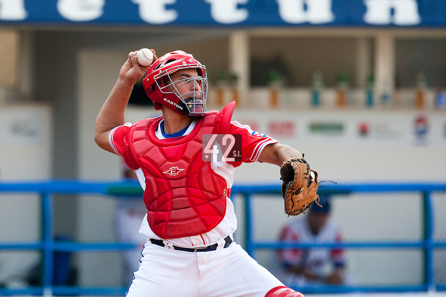 27 September 2009: Ariel Pestano of Cuba throws the ball to second base during the 2009 Baseball World Cup gold medal game won 10-5 by Team USA over Cuba, in Nettuno, Italy.