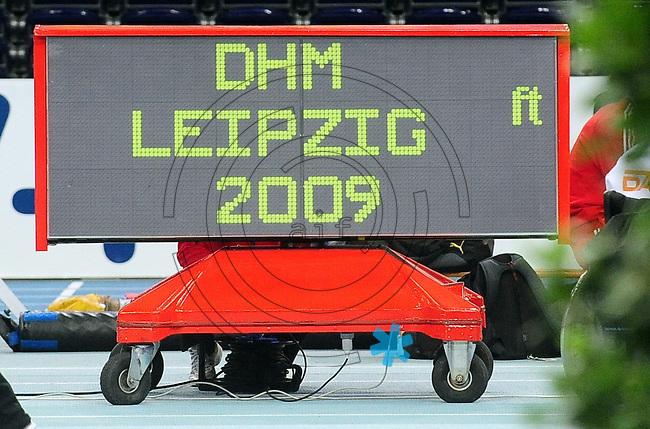 Leichtathletik - DHM 2009 Deutsche Hallenmeisterschaften - ARENA Leipzig - Track and Field - im Bild: Feature DHM in Leipzig..Foto: Norman Rembarz..Norman Rembarz, Holbeinstr. 14, 04229 Leipzig, Hypo-Vereinsbank, BLZ: 86020086, Kto: 357889472, Ust. ID.: DE 256991963 St. Nr.: 231/261/06432 !!!!!!  Honorar zuzüglich 7 % Mwst !!!!!!!!