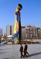 Barcellona, Spagna, Catalogna, Joan Mirò, Donna con uccellino,