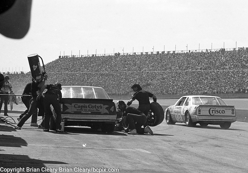Rick Wilson 4 Buddy Baker 88 pits pit stop Daytona 500 at Daytona International Speedway in Daytona Beach, FL in February 1986. (Photo by Brian Cleary/www.bcpix.com) Daytona 500, Daytona International Speedway, Daytona Beach, FL, February 16, 1986.  (Photo by Brian Cleary/www.bcpix.com)