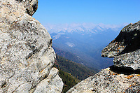 Stock photo: Opening from Moro rock showing gorgeous peaks of Sierra Nevada mountains in the Sequoia national park
