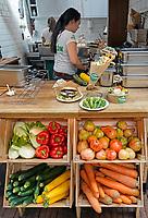 Nederland -  Amsterdam -  2018. Horeca in de Hallen in Amsterdam West. Padron Green Dutch Cuisine. Vegetarische gerechten.   Foto mag niet in negatieve context gepubliceerd worden.   Foto Berlinda van Dam / Hollandse Hoogte