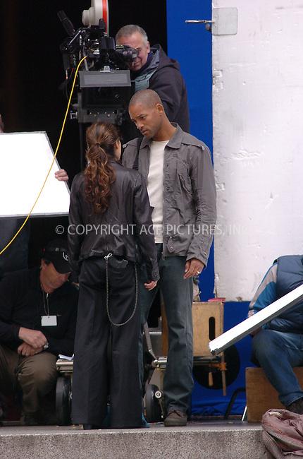 WWW.ACEPIXS.COM . . . . .  ....October 23rd, 2006, New York City. ....Will Smith and Alice Braga on the set of 'I am Legend'. ....Please byline: AJ Sokalner - ACEPIXS.COM..... *** ***..Ace Pictures, Inc:  ..(212) 243-8787 or (646) 769 0430..e-mail: info@acepixs.com..web: http://www.acepixs.com
