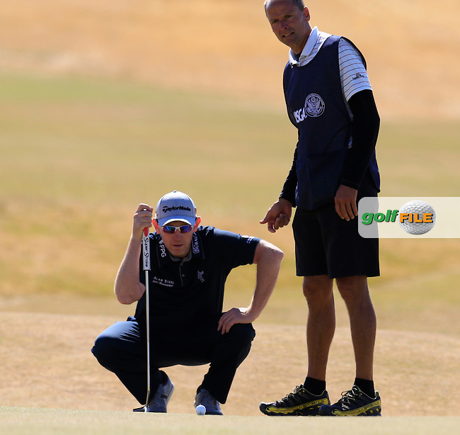 Stephen GALLACHER (SCO) and caddy Damien Moore line up his putt on the 5th green during Friday's Round 2 of the 2015 U.S. Open 115th National Championship held at Chambers Bay, Seattle, Washington, USA. 6/19/2015.<br /> Picture: Golffile | Eoin Clarke<br /> <br /> <br /> <br /> <br /> All photo usage must carry mandatory copyright credit (&copy; Golffile | Eoin Clarke)