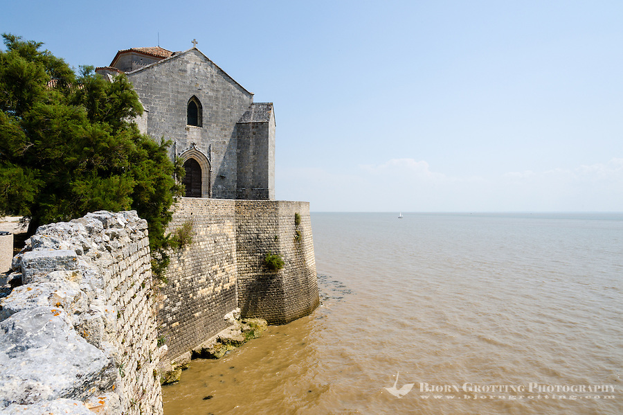 France, Talmont-sur-Gironde. An old fortified village at the Gironde estuary.