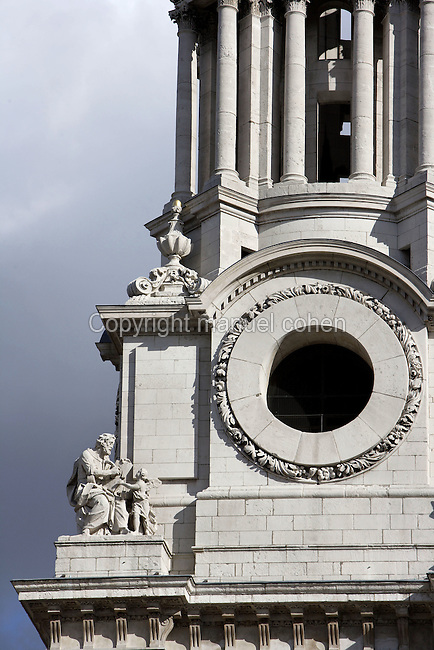 St Paul's Cathedral, 1675 - 1710, architect Sir Christopher Wren : Detail of bell tower, London, England, UK Picture by Manuel Cohen