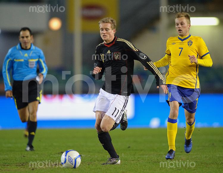 Fussball international Freundschaftsspiel Schweden - Deutschland V.l.: Andre SCHUERRLE (GER) gegen Sebastian LARSSON (SWE).