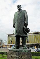 Nederland Eindhoven 2015. Anton Philips voor het Station in Eindhoven. Anton Philips was  een bestuursvoorzitter van Philips.  Foto Berlinda van Dam / Hollandse Hoogte