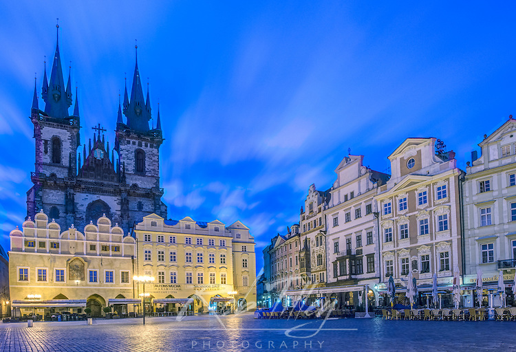 Europe, Czech Republic, Bohemia, Prague, Old Town Square at Dawn
