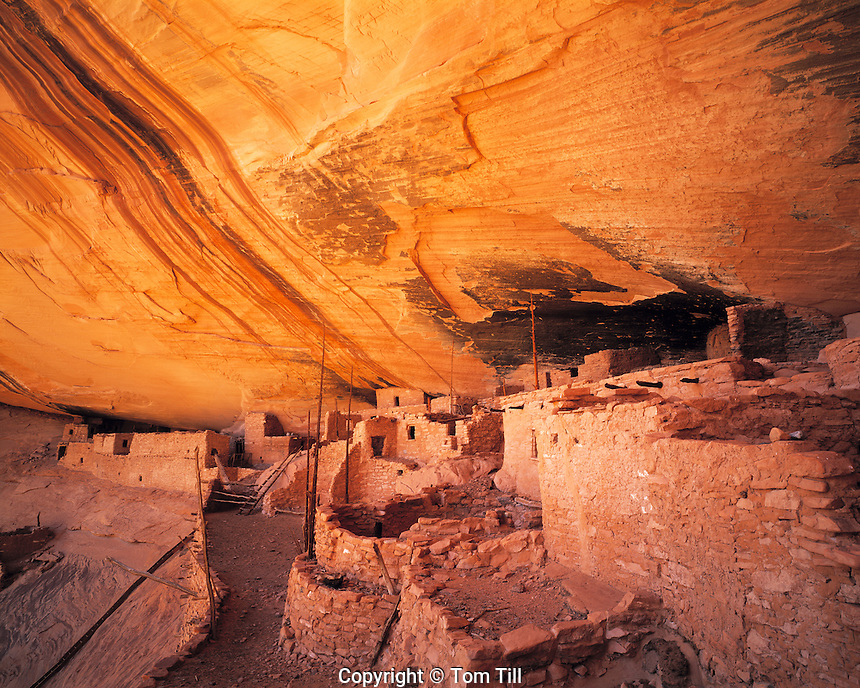 Keet Seel Ruin, Navajo National Monument, Arizona    Large Kayenta Anasazi ruin  One of the Southwest's best preserved abd beautiful ruins