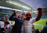DFB Pokal 2011/12 2. Hauptrunde RasenBallsport Leipzig - FC Augsburg RB-Maskottchen mit Fans.