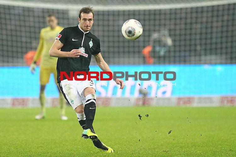 13.12.2013, Olympiastadion, Berlin, GER, 1.FBL, Hertha BSC vs Werder Bremen, im Bild Luca Caldirola (Werder Bremen #3)<br /> <br /> Foto &copy; nph / Schrader