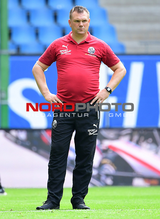 Trainer Uwe Koschinat (Sandhausen)<br /> Hamburg, 28.06.2020, Fussball 2. Bundesliga, Hamburger SV - SV Sandhausen<br /> Foto: Tim Groothuis/Witters/Pool//via nordphoto<br />  DFL REGULATIONS PROHIBIT ANY USE OF PHOTOGRAPHS AS IMAGE SEQUENCES AND OR QUASI VIDEO<br /> EDITORIAL USE ONLY<br /> NATIONAL AND INTERNATIONAL NEWS AGENCIES OUT