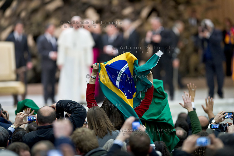 A Brazil flag during the first public appearance of Pope Francesco in Nervi hall, on March 17, 2013. Photo: Adamo Di Loreto/BuenaVista*photo