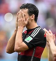FUSSBALL WM 2014  VORRUNDE    GRUPPE G USA - Deutschland                  26.06.2014 Mats Hummels (Deutschland) schlaegt die Haende vors Gesicht