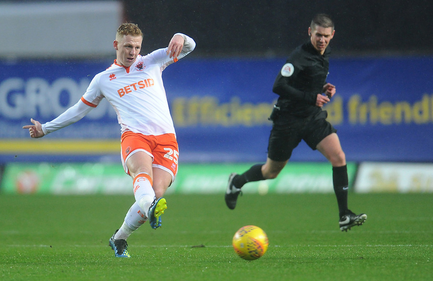 Blackpool's Callum Guy<br /> <br /> Photographer Kevin Barnes/CameraSport<br /> <br /> The EFL Sky Bet League One - Oxford United v Blackpool - Saturday 15th December 2018 - Kassam Stadium - Oxford<br /> <br /> World Copyright © 2018 CameraSport. All rights reserved. 43 Linden Ave. Countesthorpe. Leicester. England. LE8 5PG - Tel: +44 (0) 116 277 4147 - admin@camerasport.com - www.camerasport.com