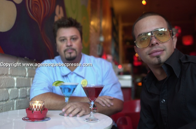 Carlos Morais (L) ,Paulo Branco (R), owners GOGO Lounge on St-Laurent Boul., Montreal. Photo : (c) 2004, Pierre Roussel