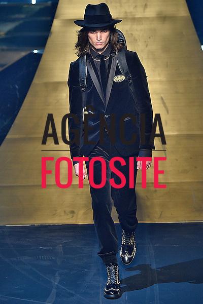 Philipp Plein<br /> <br /> Milao Masculino - Inverno 2016<br /> <br /> <br /> foto: FOTOSITE