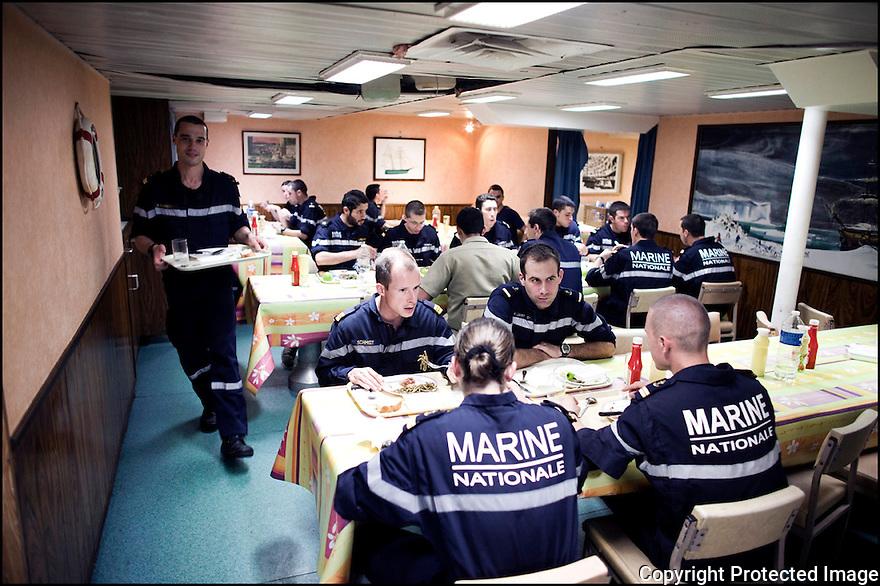 2009 / Officier élève.<br /> Le carré.