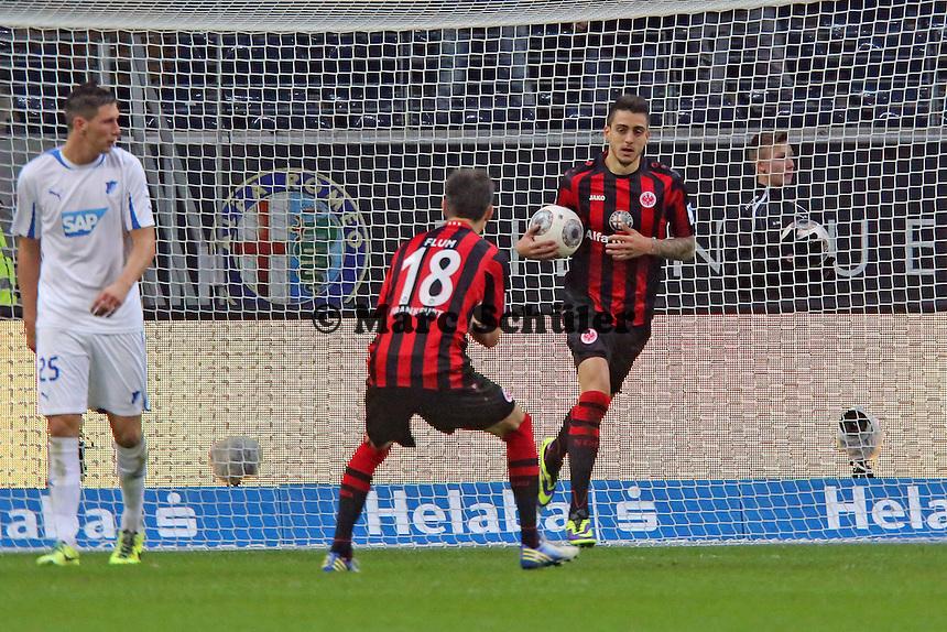 Joselu (Eintracht) erzielt das 1:1 und jubelt, Niklas Süle (Hoffenheim, aus Mörfelden-Walldorf) schaut zu - Eintracht Frankfurt vs. TSG 1899 Hoffenheim, Commerzbank Arena