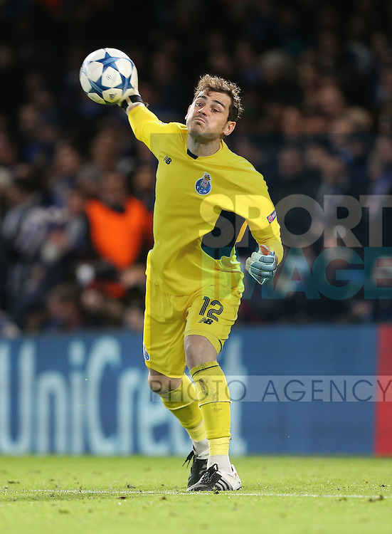 Porto's Iker Casillas in action<br /> <br /> UEFA Champions League - Chelsea v FC Porto - Stamford Bridge - England - 9th December 2015 - Picture David Klein/Sportimage