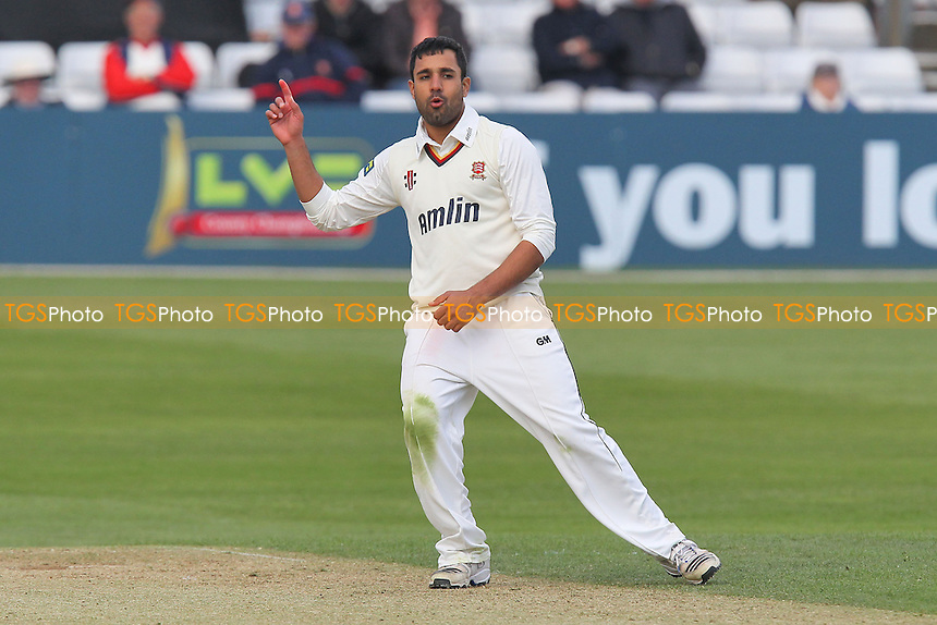 Ravi Bopara in bowling action for Essex - Essex CCC vs Hampshire CCC - LV County Championship Division Two Cricket at the Essex County Ground, Chelmsford - 30/04/13 - MANDATORY CREDIT: Gavin Ellis/TGSPHOTO - Self billing applies where appropriate - 0845 094 6026 - contact@tgsphoto.co.uk - NO UNPAID USE.