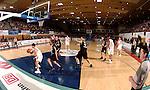 Basketball, BBL 2003/2004 , 1.Bundesliga Herren, Wuerzburg (Germany) X-Rays TSK Wuerzburg - GHP Bamberg (62:84) Spieluebersicht, Jason Perez (Wuerzburg) am Ball