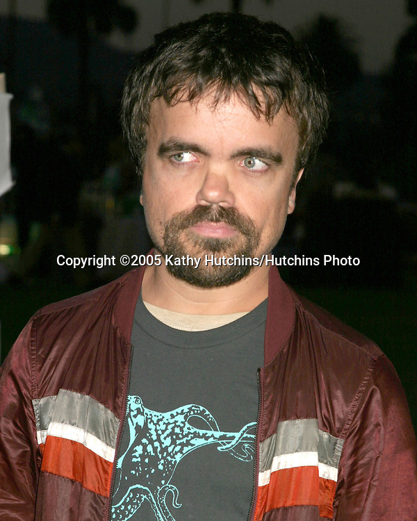 Peter Dinklage.Hollywood Forever Cemetary.Premiere Screening of Ghost Whisperer and Threshold.Los Angeles, CA.September 9, 2005.©2005 Kathy Hutchins / Hutchins Photo