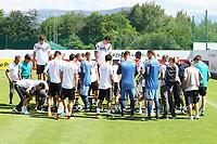 Teamfoto wird aufgebaut - 05.06.2018: Training der Deutschen Nationalmannschaft zur WM-Vorbereitung in der Sportzone Rungg in Eppan/Südtirol