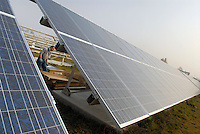 - assembing of a photovoltaic power station in northern Italy....- montaggio di una centrale fotovoltaica in nord Italia