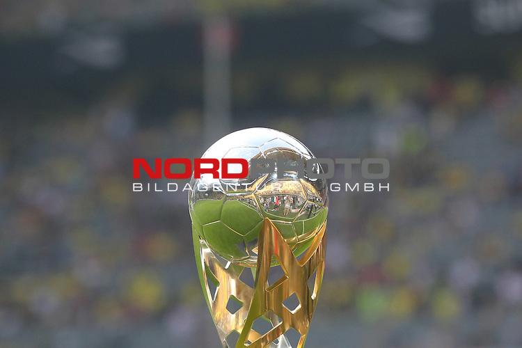 27.07.2013, Signal Iduna Park, Dortmund, GER, 1. FBL, SuperCup, Borussia Dortmund vs FC Bayern M&uuml;nchen, im Bild<br /> Der Supercup 2013 <br /> <br /> Foto &copy; nph / Mueller