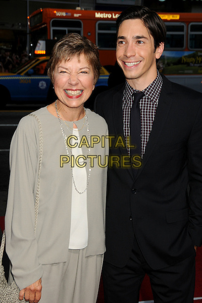 "JUSTIN LONG (R) & mother WENDY.""Going The Distance"" Los Angeles Premiere held at Grauman's Chinese Theatre, Hollywood, California, USA, 23rd August 2010..half length suit family mom mum  black tie checked check shirt smiling .CAP/ADM/BP.©Byron Purvis/AdMedia/Capital Pictures."