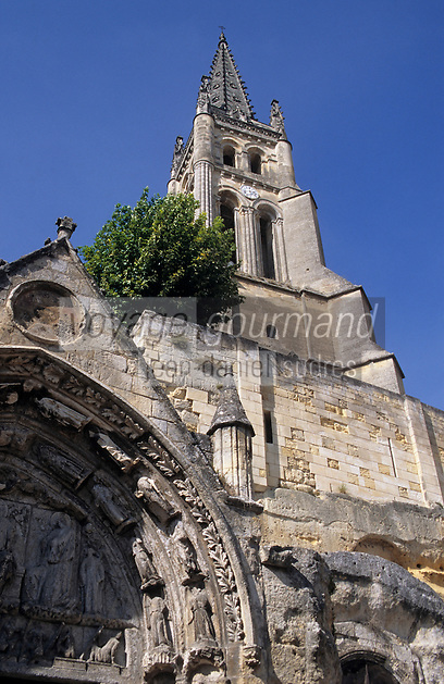 Europe/France/Aquitaine/33/Gironde/Saint-Emilion: Portail de l'église monolithe