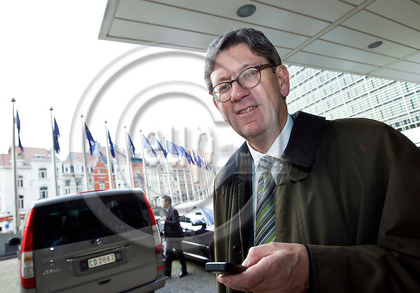 BRUSSELS - BELGIUM - 12 NOVEMBER 2008 -- The Norwegian PM and a delegation of six Norwegian Ministers visiting the EU-Commission. -- Bjørn Tore Godal leaving the EU Commission. -- PHOTO: JUHA ROININEN / EUP-IMAGES