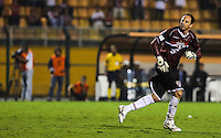 SAO  PAULO, 07 MARÇO 2013 - TAÇA LIBERTADORES DA AMÉRICA - SAO PAULO FC X ARSENAL DE SARANDÍ - Rogerio Ceni goleiro do Sao Paulo durante lance de partida contra o Arsenal de Sarandí em partida pela Taça Libertadores da América no Estadio Paulo Machado de Carvalho, o Pacaembu na noite desta quinta-feira, 07. (FOTO: WILLIAM VOLCOV / BRAZIL PHOTO PRESS).