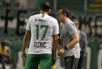 PALMIRA - COLOMBIA, 26-05-2019: Alejandro Restrepo técnico de Nacional da instrucciones a Hernan Barcos durante el partido entre Deportivo Cali y Atlético Nacional como parte de la Liga Águila I 2019 jugado en el estadio Deportivo Cali de la ciudad de Palmira. / Alejandro Restrepo coach of Nacional gives directions to Hernan Barcos during match between Deportivo Cali and Atletico Nacional for the date 4, semifinal quadrangulars, as part Aguila League I 2019 played at Deportivo Cali stadium in Palmira city.  Photo: VizzorImage / Gabriel Aponte / Staff